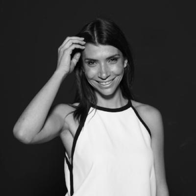 Alejandra Mustakis - Directora Fundador